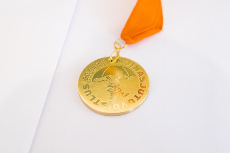 Sten Roosi muinasjutuvõistluse medal -Aron Urb foto
